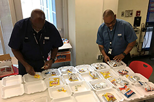 Supervisors Prepare Lunches